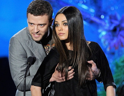 Justin-Timberlake-Fondling-Mila-Kunis-MTV-Movie-Awards-Pictures